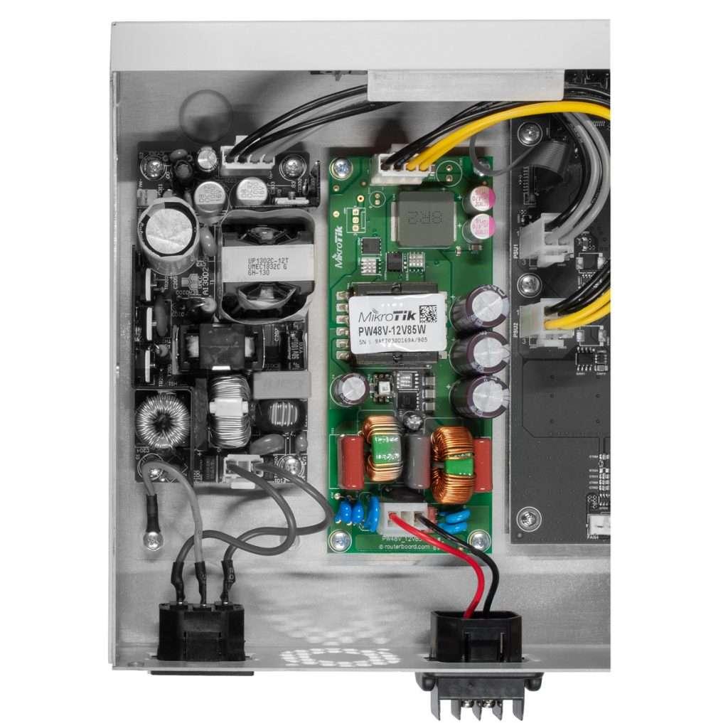 Mikrotik PW48V-12V85W Fuente de Poder de 12V 85Watts Open Frame para CCR y CRS. Número de parte MikroTik original.