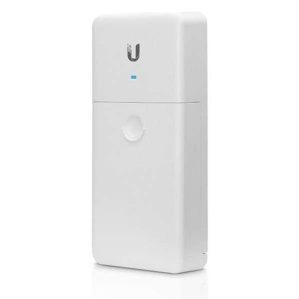 Ubiquiti N-SW Switch PoE Passthrough de 4 puertos gigabit con salida PoE de 24V 1Amp para exteriores.