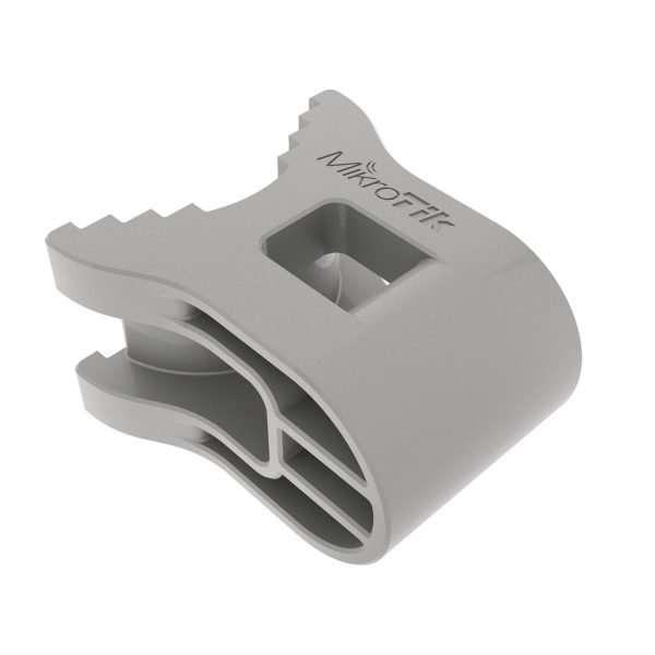 El Mikrotik QM-X quickMOUNT es una base para mástil especificamente diseñada para la serie SXTsq y Disc-Lite5. Incluye cincha metálica.