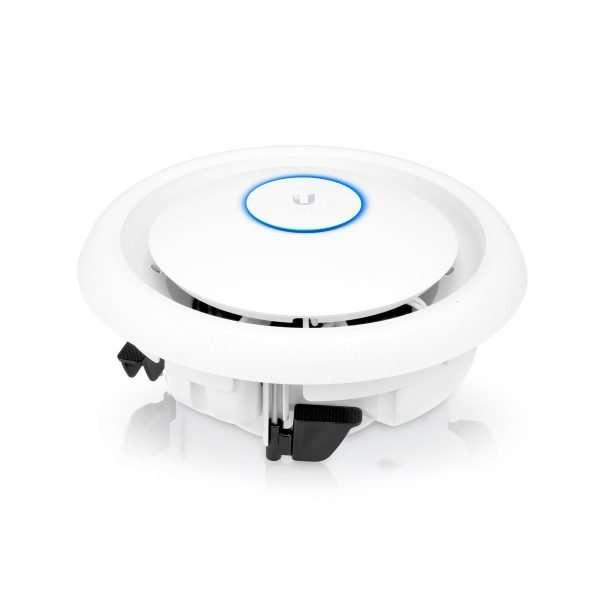 Ubiquiti UAP-AC-EDU UniFi AP AC Largo Alcance y Alta Densidad de usuarios con parlante para megafonía institucional . Fácil instalación, ideal para interiores.