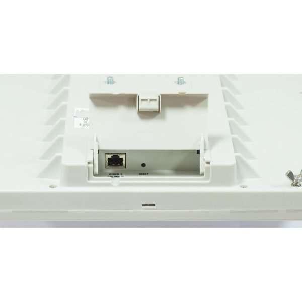 Mikrotik RB911G-5HPacD-QRT Antena direccional AC de 10.5 grados de 24dBi con potencia TX de 1300mW. Puerto Gigabit y CPU de 720MHz con 128MB RAM. Para uso en exteriores. Lv4
