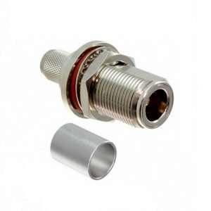 El L-Com ANF-1404 es un conector coaxial N-hembra para ponchar en cable serie 400 o RG8 coaxial con anillo para fijar a bastidor bulkhead, diseño de baja pérdida. Ideal para extensiones o adaptaciones entre sistemas o dispositivos RF.